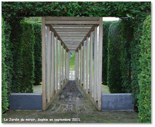 Le jardin, c\'est tout !: René Pechère et le Jardin du Miroir.